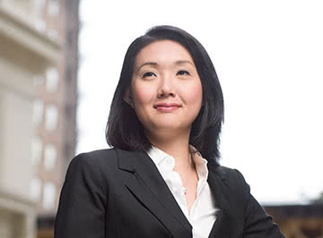 苏珊王 used the Kellogg part-time MBA program to prepare f要么 a career in finance